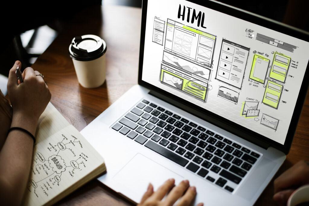 Thiết kế giao diện web đơn giản cân bằng màu sắc và không gian